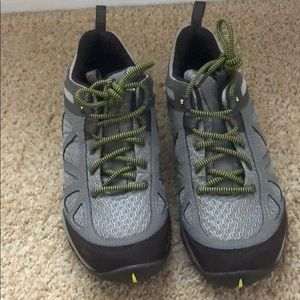 NWOT NEVER WORN Merrell Hiking Shoes Size 8